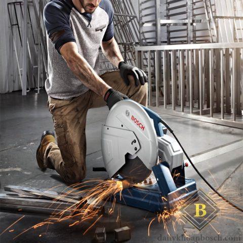 Máy cắt sắt Bosch GCO 200 mạnh mẽ cho hiệu quả cao trong công việc